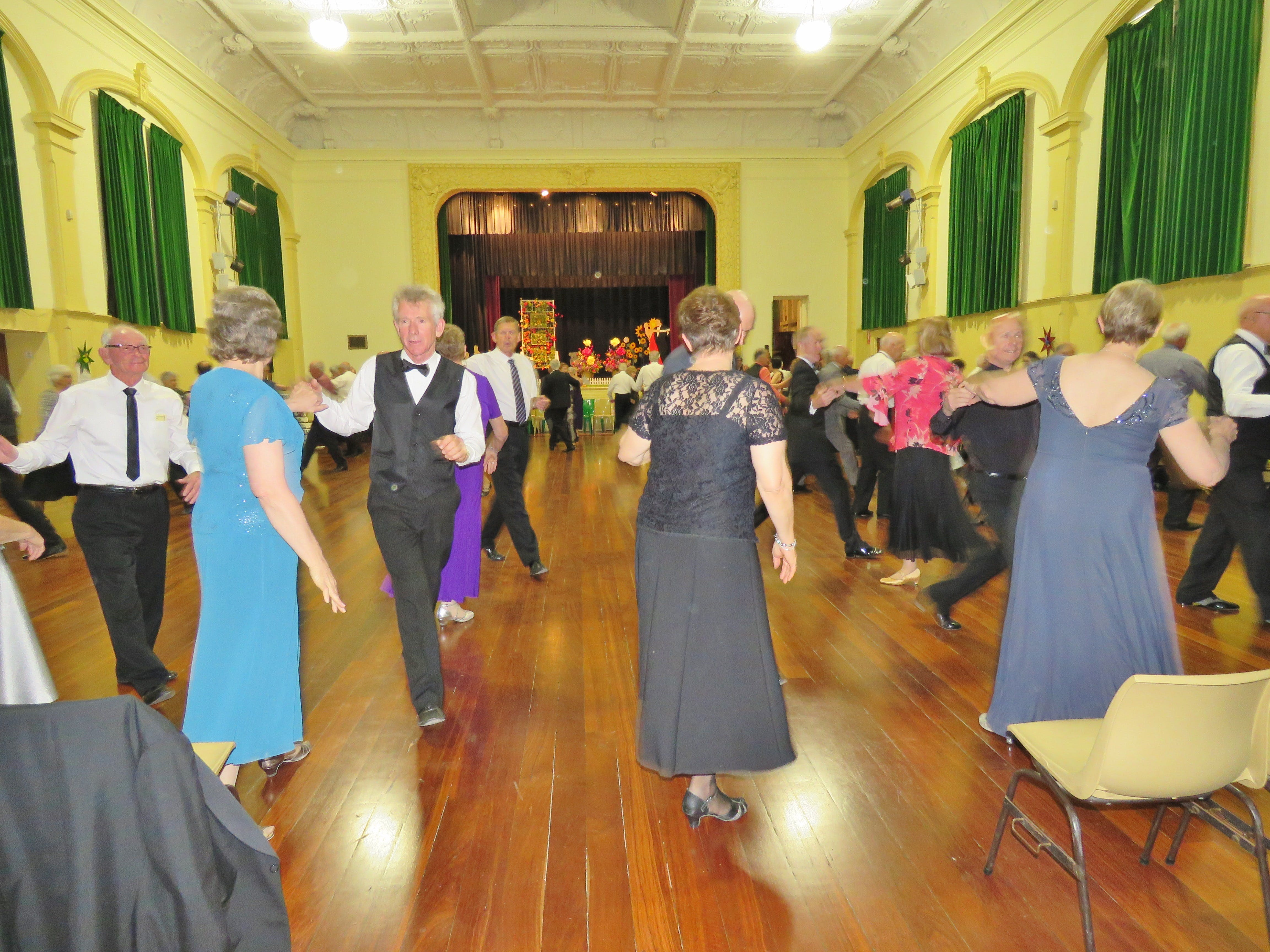 Old Style/New Vogue Dance Wallaroo - Tourism Bookings