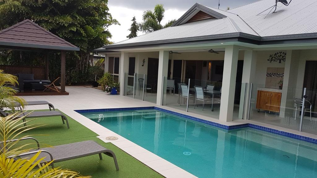 Eden Trinity Beach Lagoon Front House - Tourism Bookings